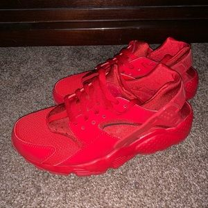 Nike Huarache Sneakers in RED